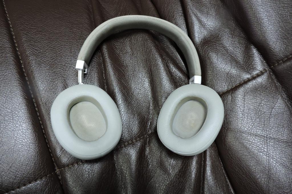 Bluetooth стереогарнитура JBL E55BT