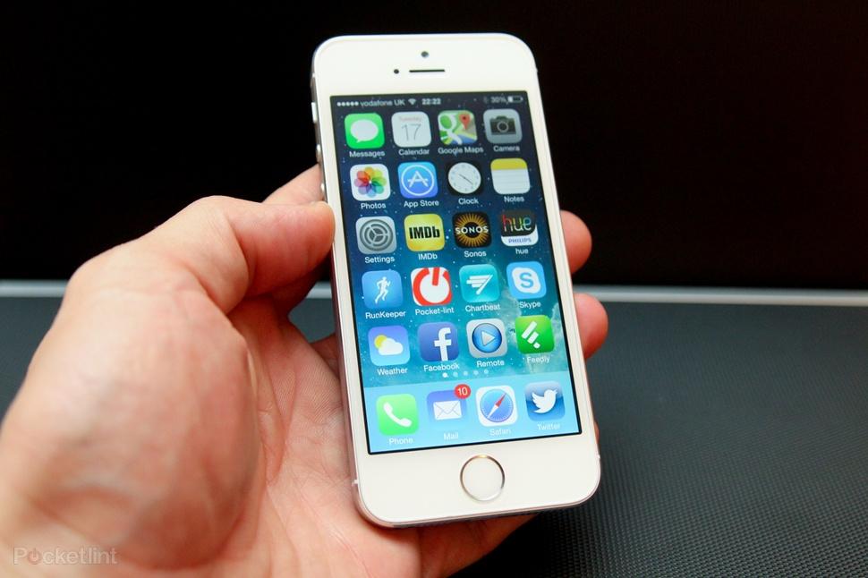 iPhone 5s 16 Гб отличное состояние