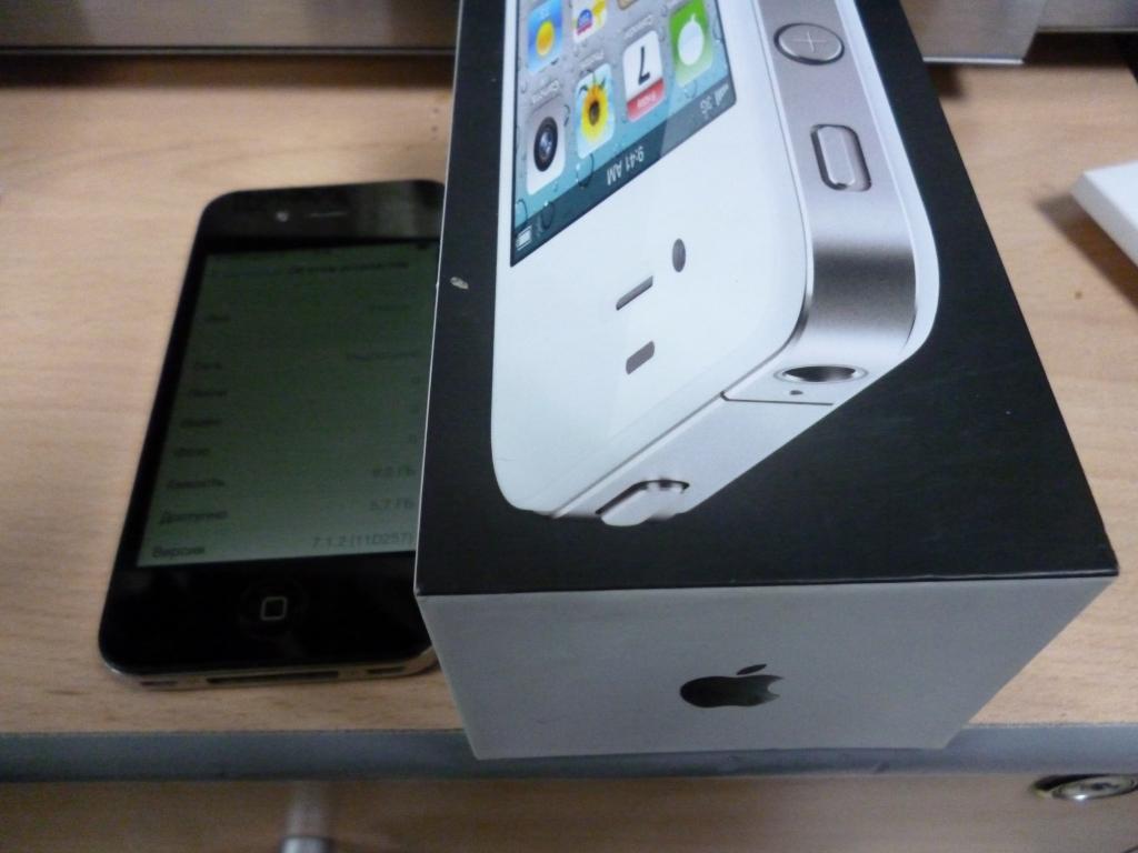iPhone 4 в отл. сост. коробка документы ПРОДАН!
